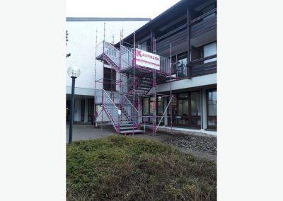 Fluchtwegtreppe mit Kinderschutz sicheren Geländern, Stephanuswerk in Isny