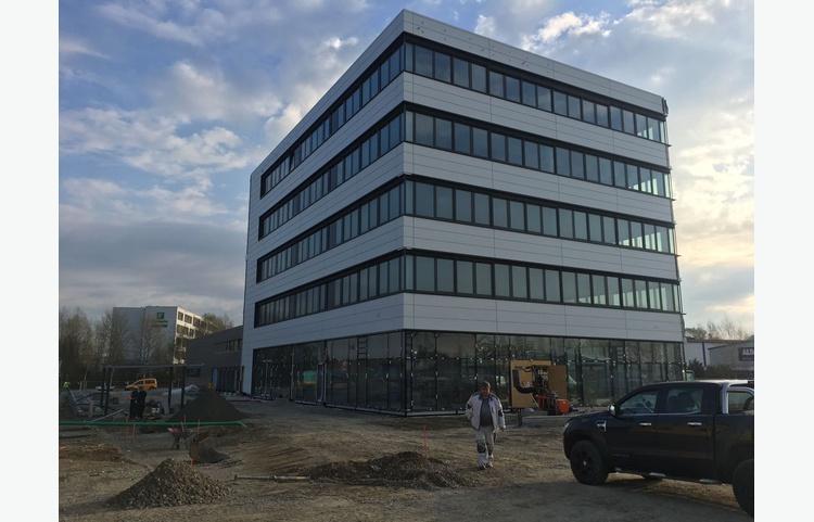 Friedrichshafen Autohaus Müller Trockenbauarbeiten Stuckateur Kaufmann Gerüstbau Trockenbau Img 4608
